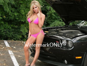 Hot sexy naked muscle car babes