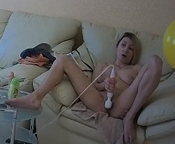 How to make her cum naked